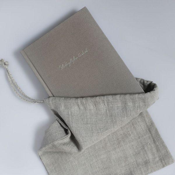 Darbo knyga tekstiliniu viršeliu ROJAUS KRIAUKLĖ A5 formatas lininiame maišelyje